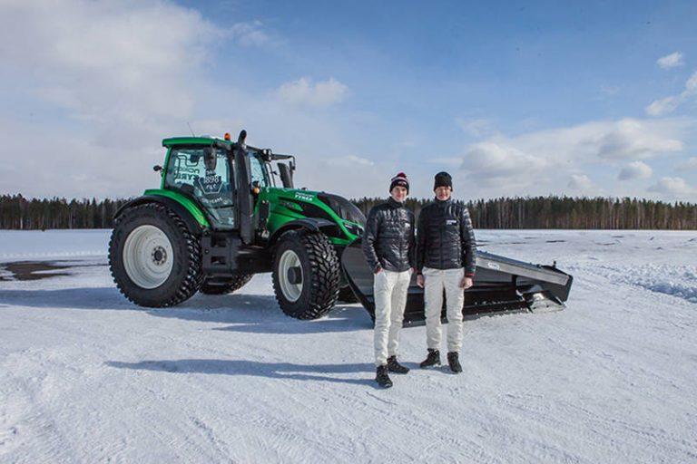 Nokian Tyres и Valtra установили мировой рекорд по уборке снега на беспилотном тракторе