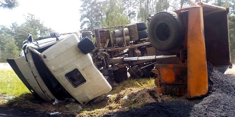 В Бобруйском районе МАЗ столкнулся с Rover