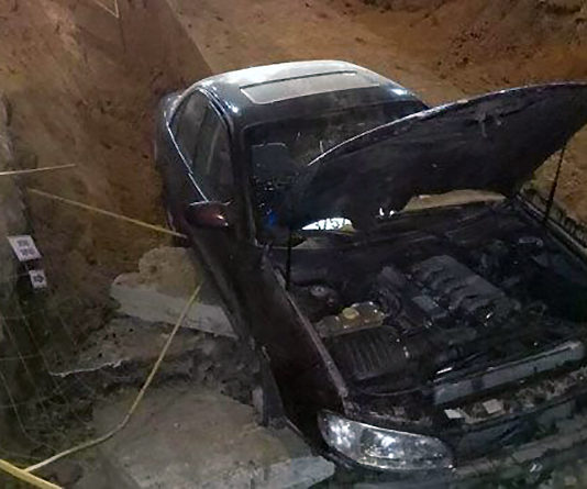 В Витебске Opel влетел в котлован