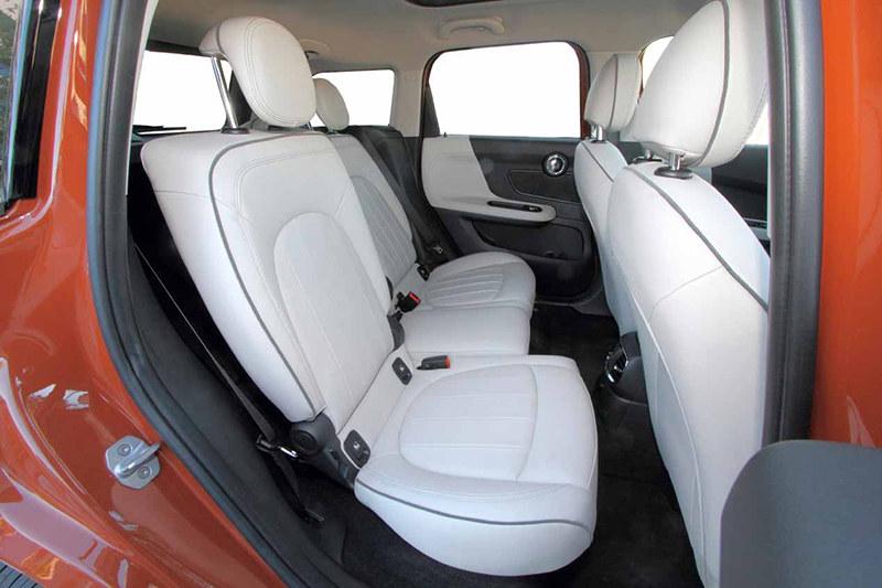 Сравнительный тест автомобилейMini Countryman иToyota C-HR