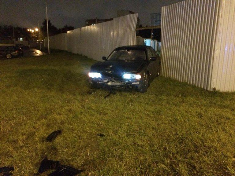 На пр. Дзержинского водитель устроил ДТП и скрылся с места аварии