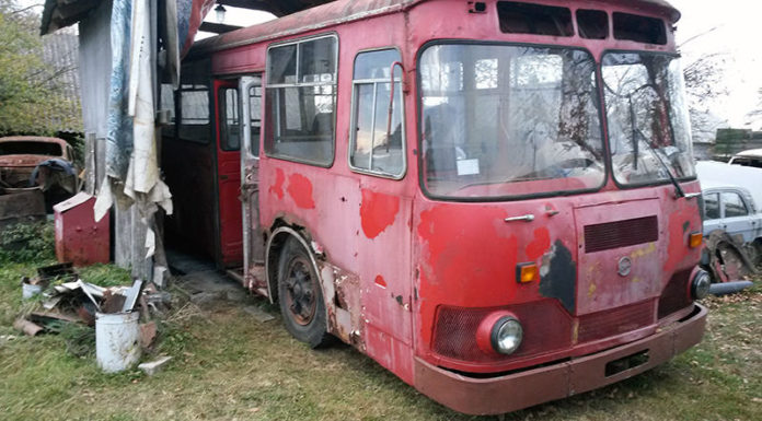 ЛиАЗ-677М