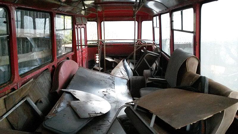 В салоне автобуса ЛиАЗ-677М