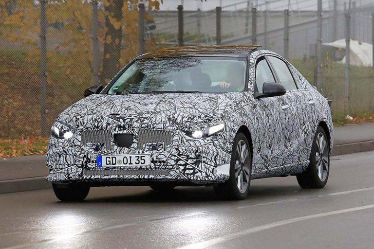 Новый Mercedes-Benz С-класса наматывает тестовые километры