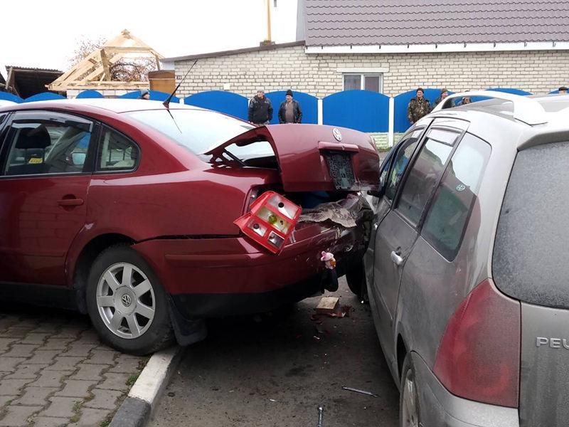 В Турове уснувший водитель повредил три авто и сбил пешехода