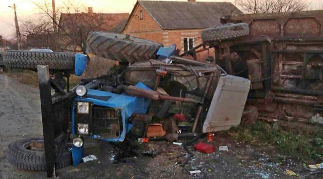 В Столинском районе опрокинулся трактор
