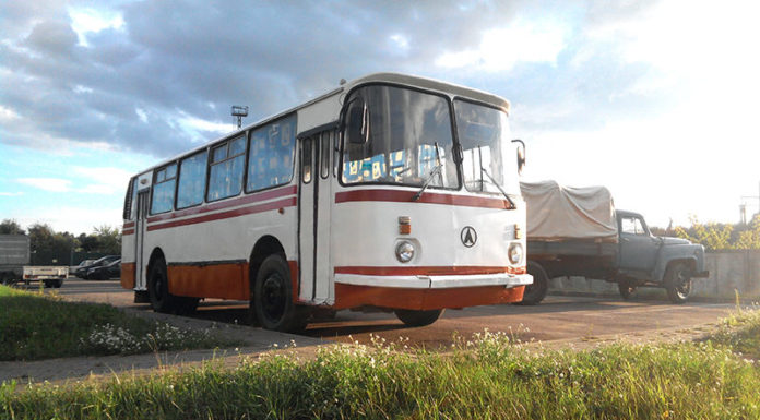 Ретро автобус ЛАЗ-695НГО
