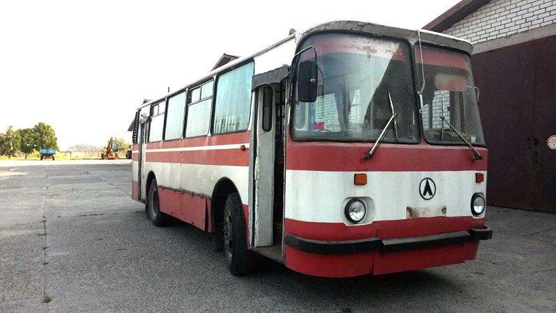 ретро автобус ЛАЗ-695Н