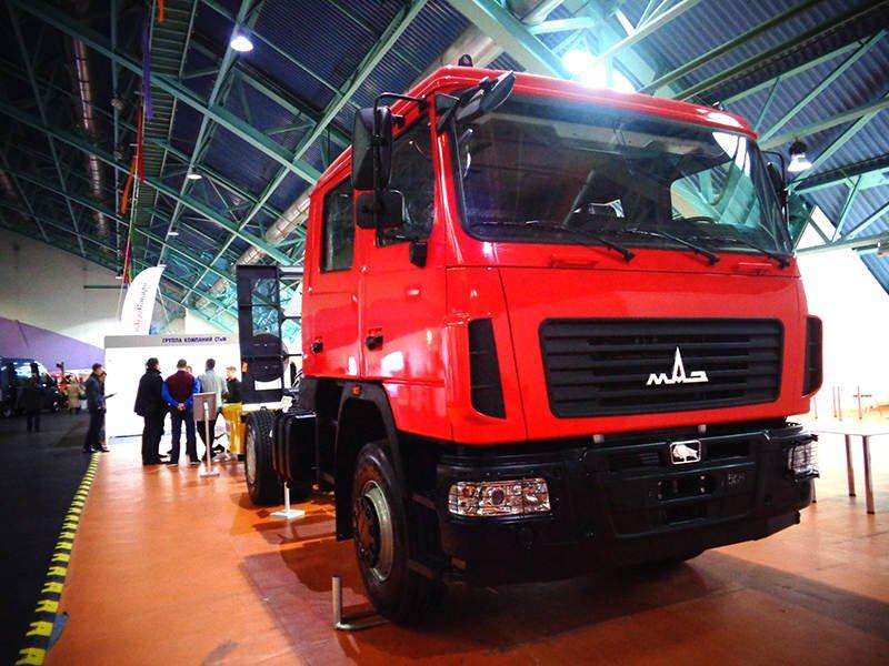 МАЗ-5340С2 на выставке на Футбольном манеже