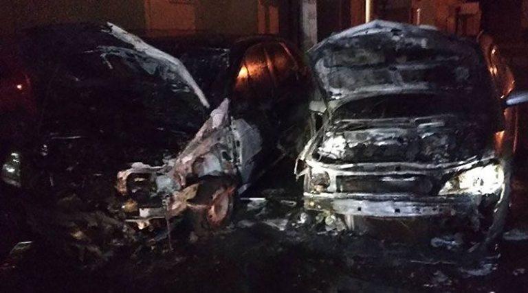 В Гомеле горели два автомобиля