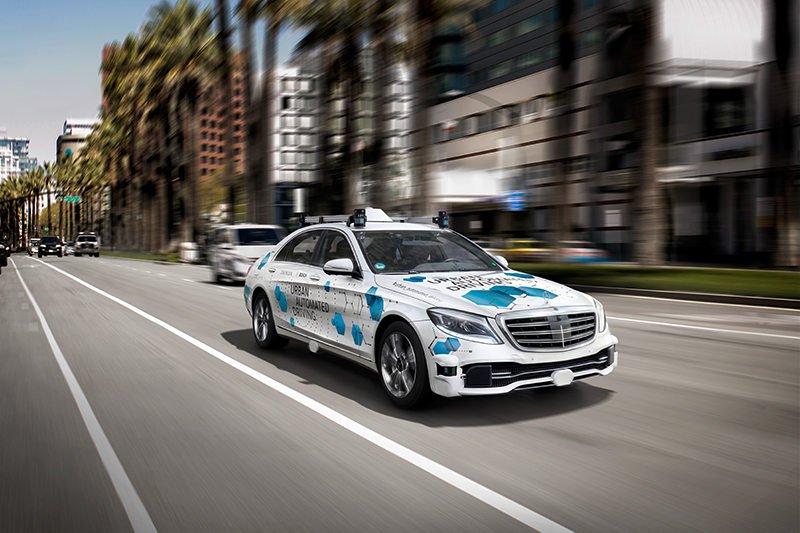 Bosch и Daimler попробуют объединить на базе беспилотников такси, каршеринг и поиск перевозчиков