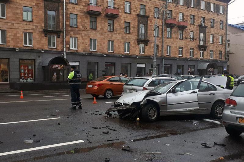 Четыре авто столкнулись в Минске