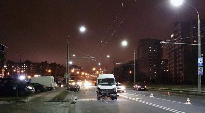 В Минске столкнулись BMW и маршрутка