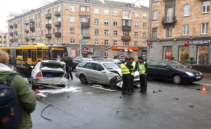 В Минске столкнулись четыре автомобиля