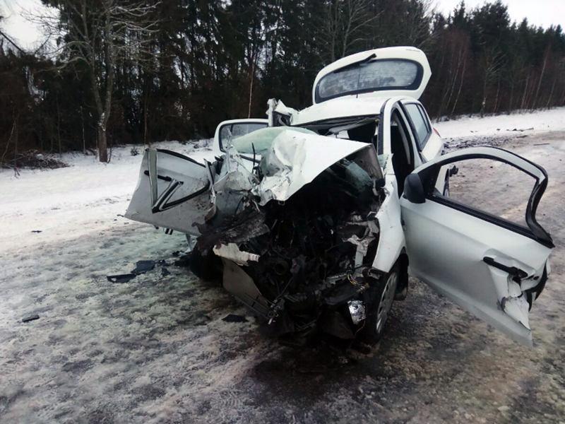 Hyundai влетел в грузовик