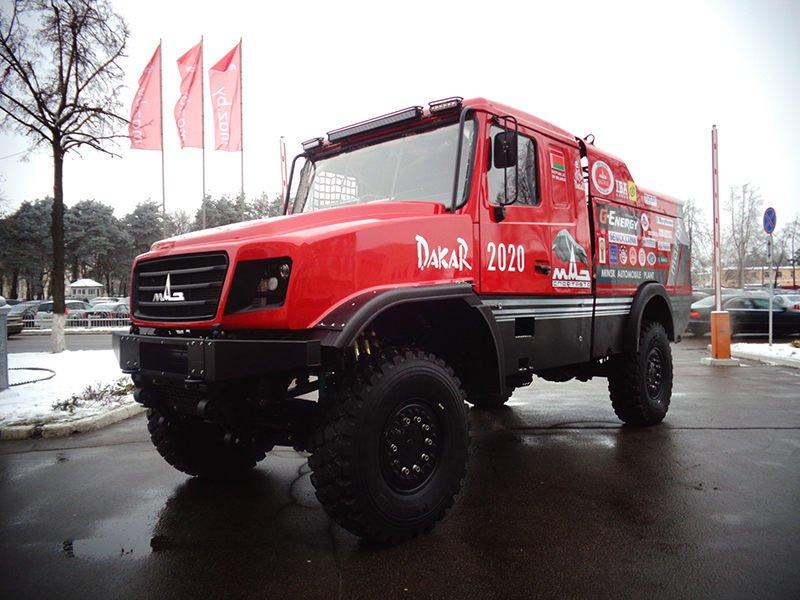 Капотный спортивный грузовик МАЗ-6440RR