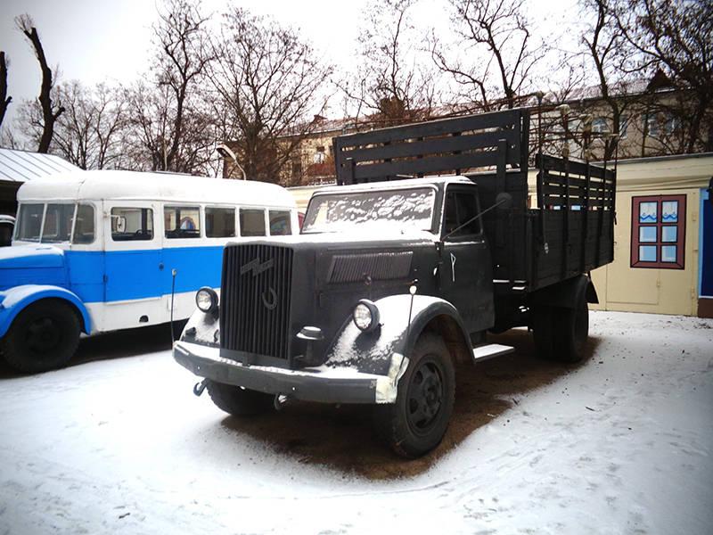 Реплика грузового автомобиля Opel Blitz, изготовленная на базе грузовика ГАЗ-52