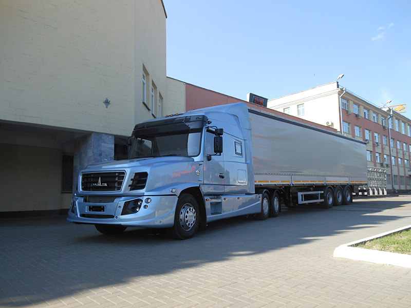 Седельный тягач МАЗ-6440РА N2 с полуприцепом