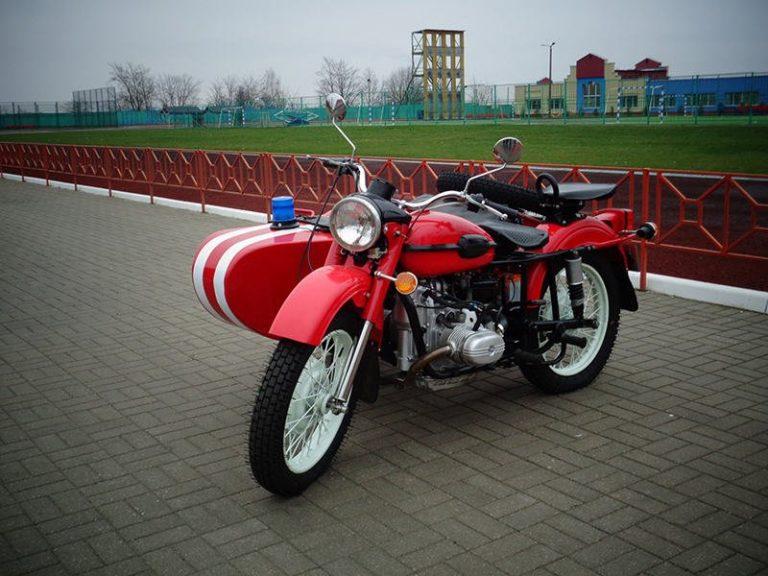 Раритетный мотоцикл УРАЛ ИМЗ-8-103-10