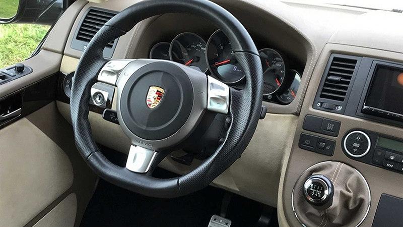 Руль Volkswagen Multivan c двигателем от Porsche 911