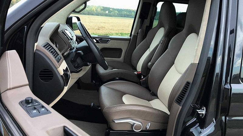 передние сиденья Volkswagen Multivan c двигателем от Porsche 911