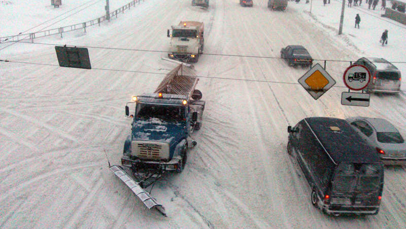 На территории Минска работает снегоуборочная техника