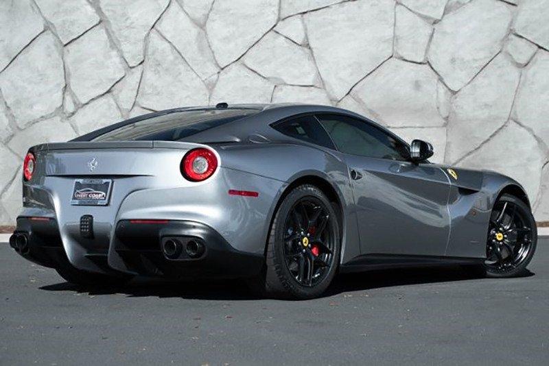 Джейсон Стейтем продает Ferrari F12 Berlinetta
