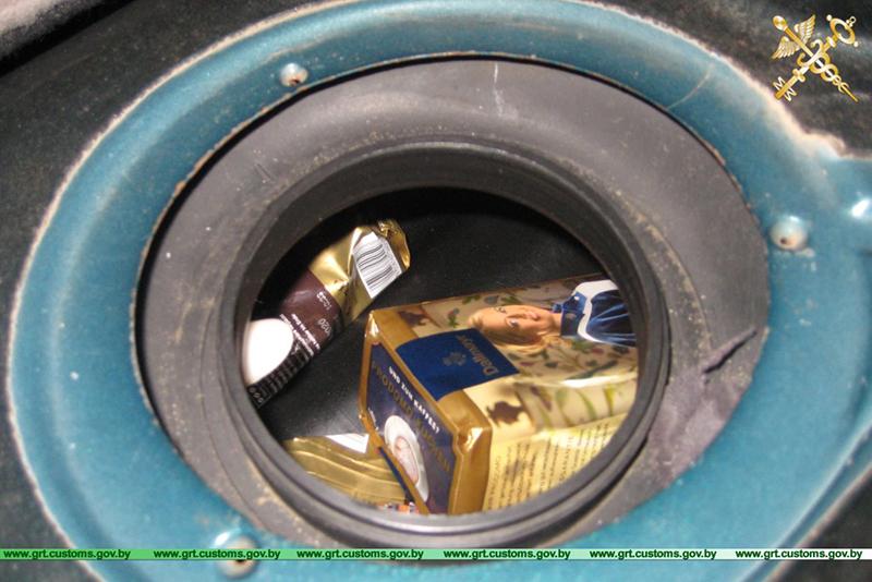 Перевозил кофе в топливном баке автомобиля