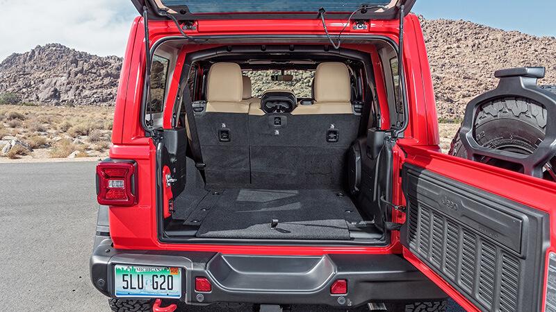 Jeep Wrangler, Land Rover Discovery, Lexus LX и Mercedes-Benz G-класса: грязные игрыJeep Wrangler, Land Rover Discovery, Lexus LX и Mercedes-Benz G-класса: грязные игры