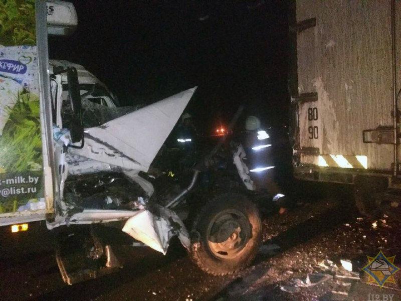 В Слуцком районе произошло столкновение двух грузовиков