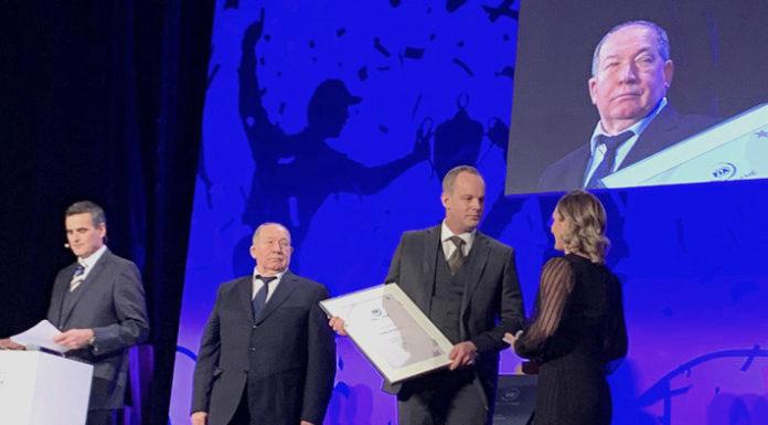церемонии включения чемпионов мира по ралли в Зал славы ФИА