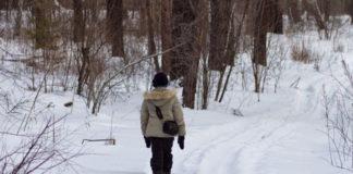 Во время остановки на трассе белорусы забыли в лесу ребенка