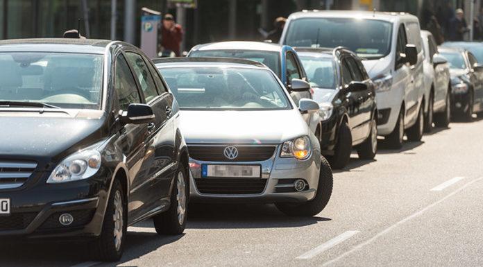 Популярность систем помощи водителю от Bosch растет