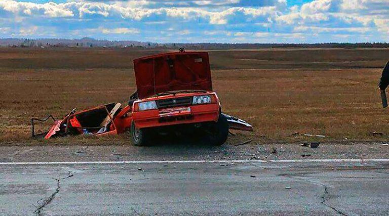 Лопнувшее у фуры колесо стало причиной смертельного ДТП