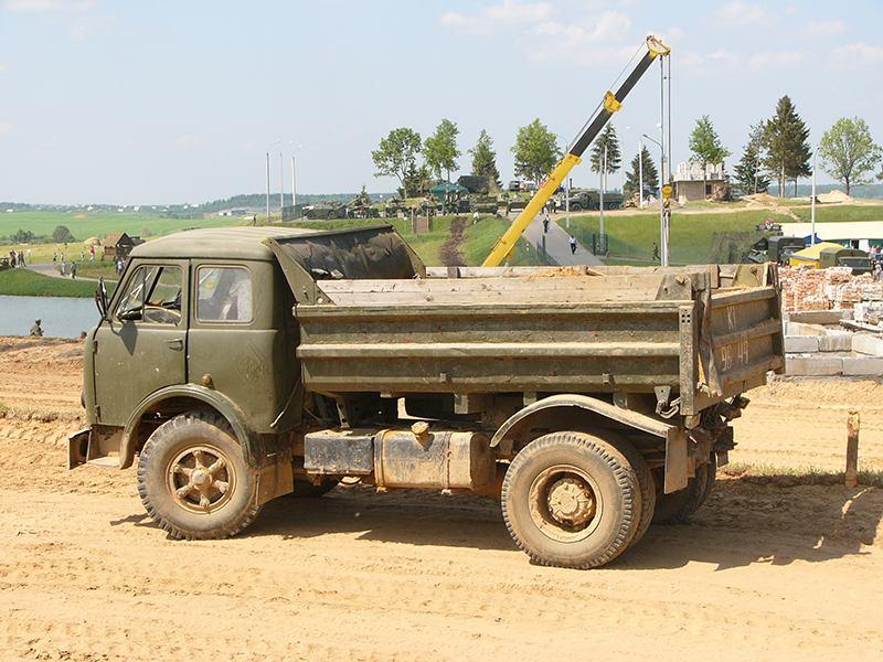 Необычный самосвал МАЗ-5549