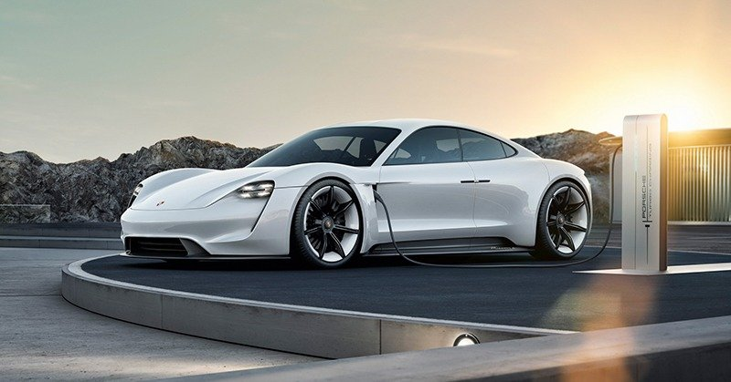 Porsche получила более 20 тысяч предварительных заказов на Taycan