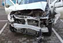 В Минске пьяный водитель на Renault протаранил бетонный забор