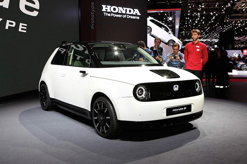 Honda Е Prototype на Женевский автосалон 2019: главные премьеры
