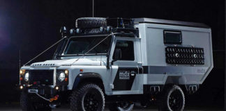 Старый Land Rover Defender - автомобиль для Апокалипсиса