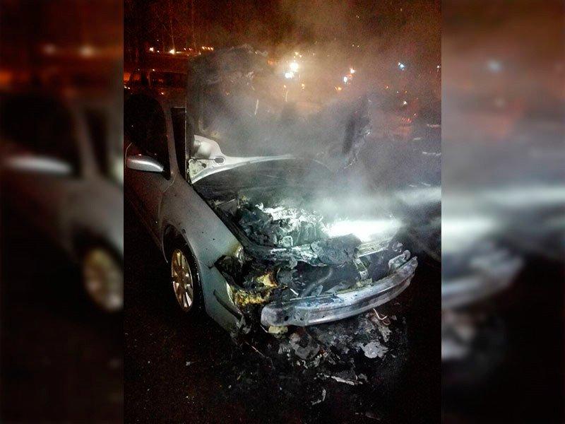 В Минске на ул. П. Глебки горел автомобиль