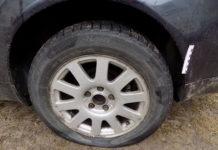 В Осиповичах 18-летний парень порезал шины 14 автомобилей