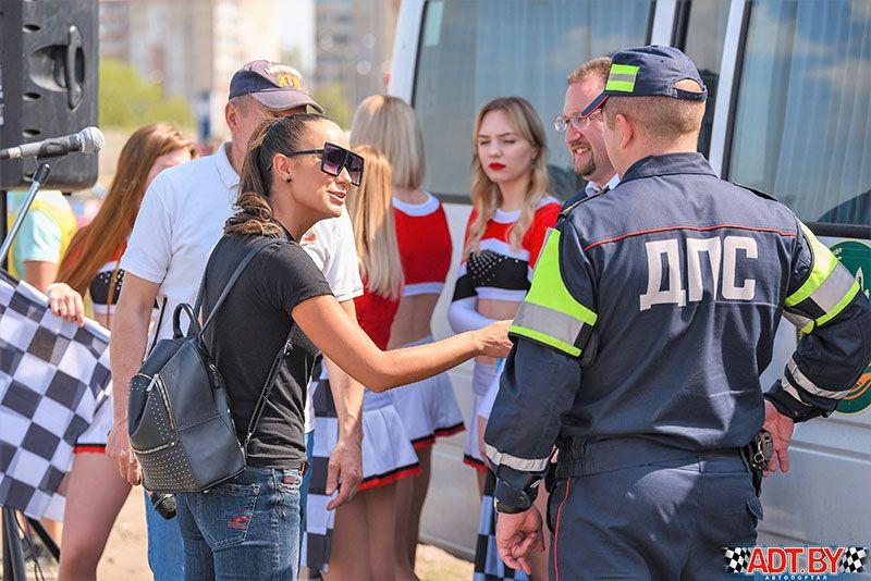 Виртуозы руля открыли сезон в Солигорске по джимхане