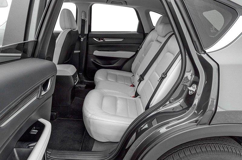 Сравнительный тест автомобилейMazda CX-5 и Lexus NX