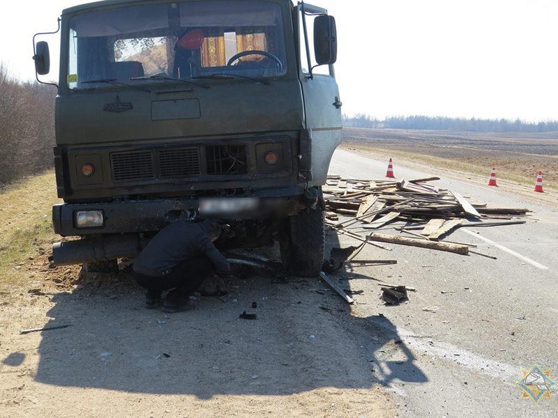 Лобовое столкновение МАЗ и Toyota произошло в Браславском районе