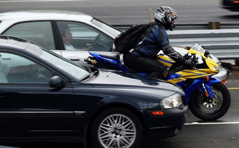 ГАИ призывает мотоциклистов соблюдать ПДД