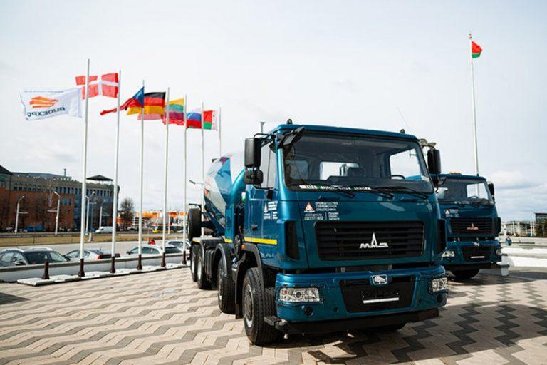 Гигантские МАЗы будут работать на стройке в Минске