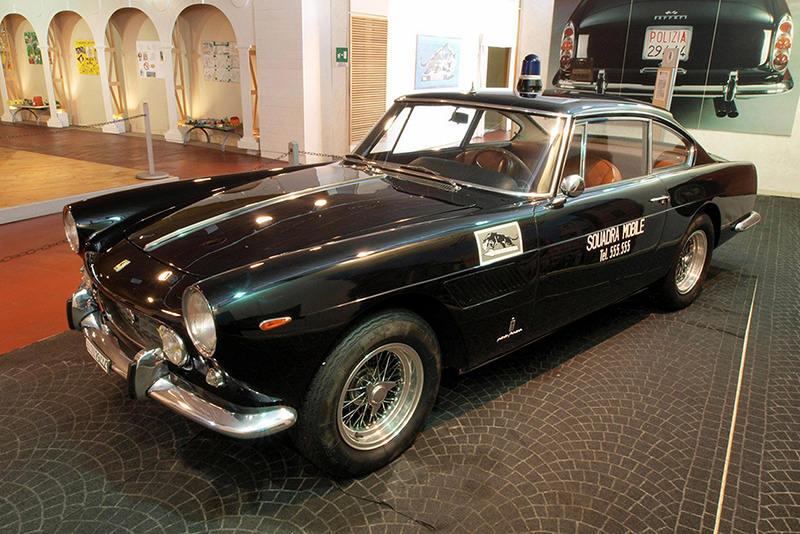 Ferrari 250 GTE 2+2 Исторический музей автомобилей Государственной полиции Рима