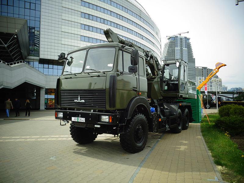 Одноковшовый экскаватор EW25M2