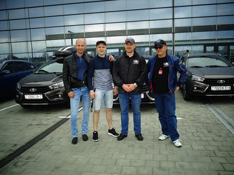 Создатели клуба. Третий слева Евгений Алексеюк