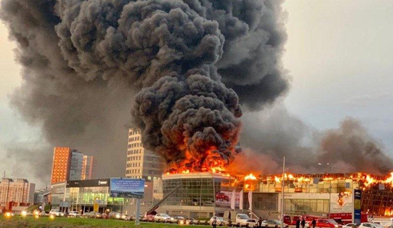 В Кемерово сгорел автосалон дилера Hyundai и Skoda